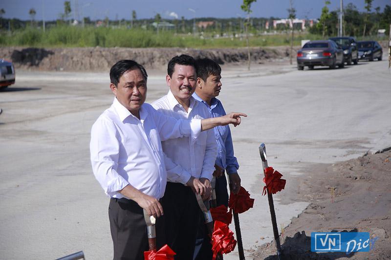 ông Huỳnh Uy Dũng (Công ty CP Đại Nam) và ông Võ Hoàng Yên cùng động thổ xây dựng Trung tâm Khám chữa bệnh và Phòng thuốc nam Phước Thiện tại Khu dân cư Đại Nam thuộc huyện Chơn Thành, tỉnh Bình Phước (T10/2019) vỡi mục đích chữa bệnh miễn phí