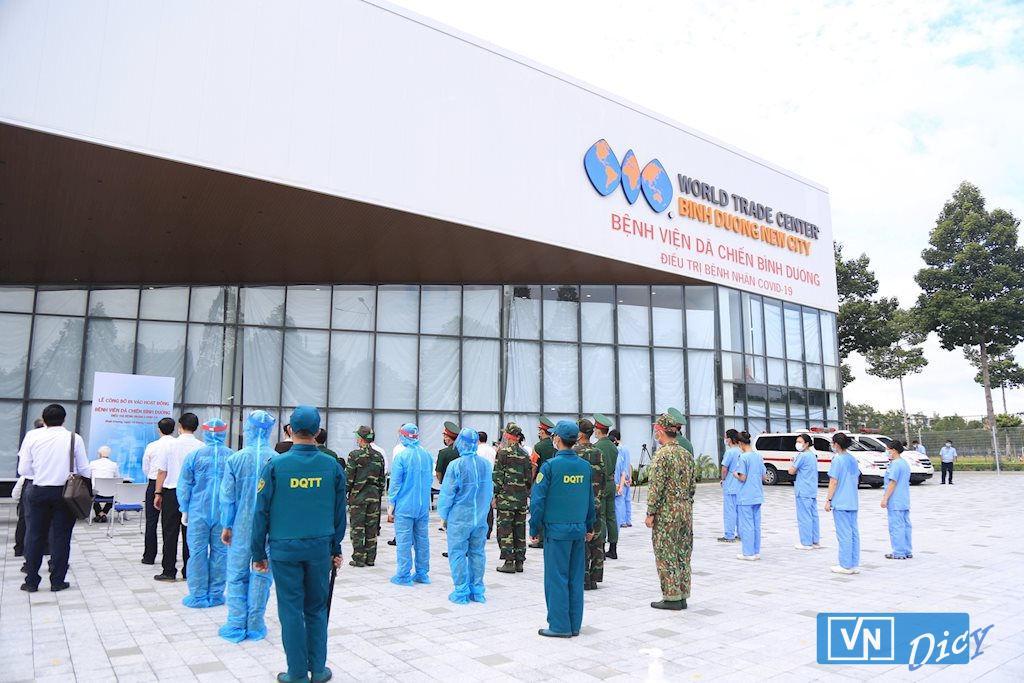 Bệnh viện dã chiến Bình Dương đi vào hoạt động sau 5 ngày thi công thần tốc với sự hỗ trợ tích cực của các đơn vị trên địa bàn tỉnh