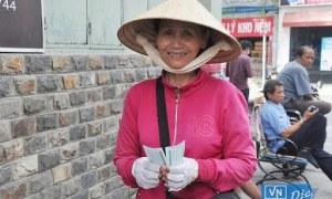 Bình Dương hỗ trợ 1.5 triệu đồng cho người bán vé số trong dịch Covid 19